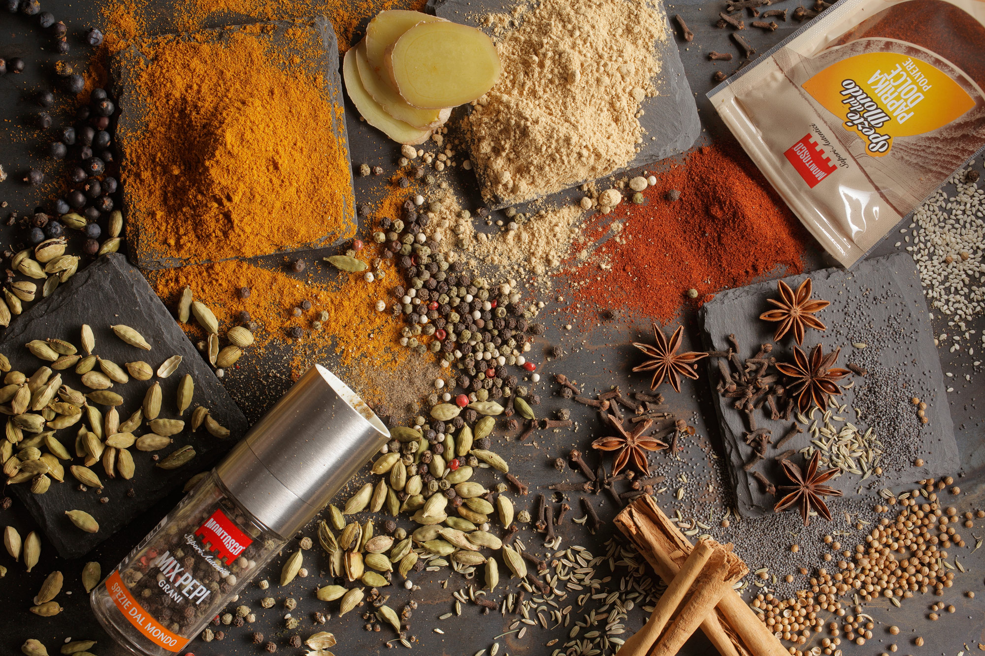 spezie dal mondo montosco, curry, paprika, ginger, cannella,